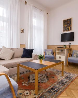 Stylish Prague Center Retreat Florence #10