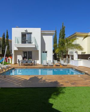 Tsokkos Luxury Villa