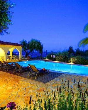 Villa Nitsa