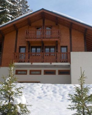 8-10 Pers. Chalet Just 700 Meters Outside Les Gets