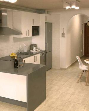 Casa Krisma, Fabulous Modern Spacious 2 Bedrooms Apartment, Remote Wor