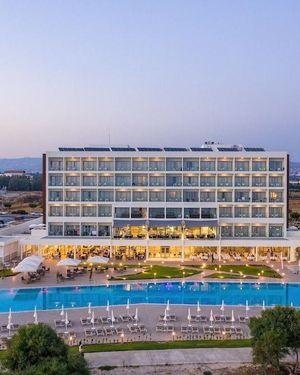 Louis Ivi Mare Hotel