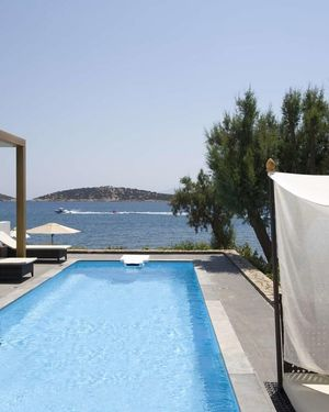 Minos Beach Art Hotel / Bluegr