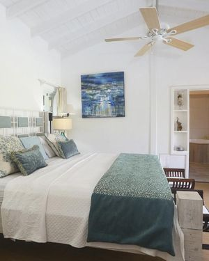 Cap Estate Villa Sleeps 10 with Pool Air Con And Wifi