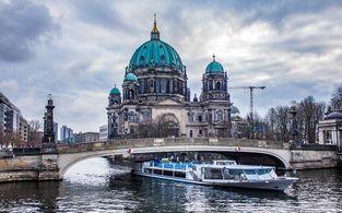 holi berlin hostel and hotel   tage im weltweit ersten hoteltower fur zwei ubernachten holi berlin in berlin lichtenberg