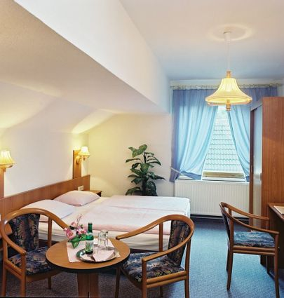 Hotel am Schloßberg.Doppelzimmer.hotels/06b412626df006bb3ee0791e63669611b39f5f1a/room/hotel-am-schlossberg-doppelzimmer-89921.jpg