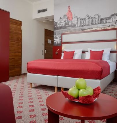 Amedia Plaza Dresden.Business Doppelzimmer.hotels/4c4c0cddee80f70b0e8a417c806f05bb9bd6b63b/room/amedia-plaza-dresden-business-doppelzimmer-73629.jpg