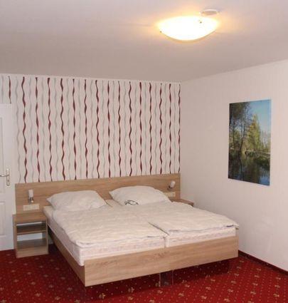 Zum Goldenen Löwen.Doppelzimmer.hotels/d90a7d647b4d31d6eb11519e68b52a5322a189e0/room/zum-goldenen-lowen-doppelzimmer-26170.jpg
