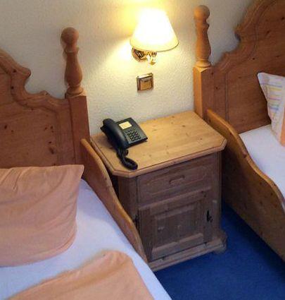 Hotel Bodeblick.Twinzimmer 15.hotels/fd6d9430fa436fae6185be6decf2623047edbc3a/room/hotel-bodeblick-twinzimmer-15-15242.jpg