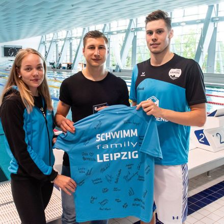 RB Leipzig Captain Willi Orban Visits the City's Swimming Association
