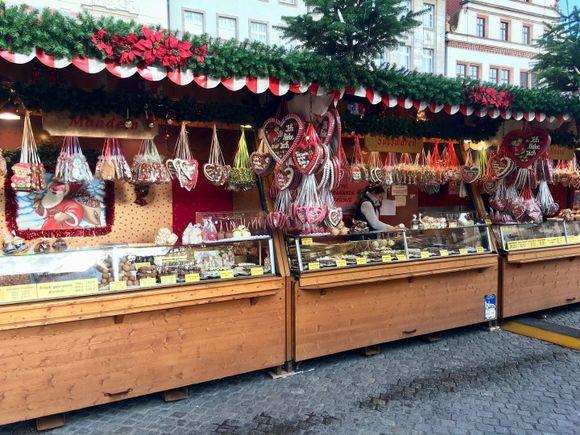 Weihnachtsmarkt in Leipzig Mandeln, Süßwaren, Nüsse