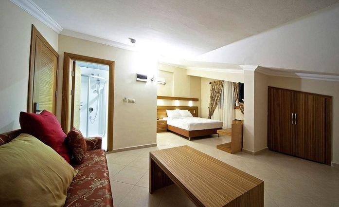 Laberna Hotel.Doppelzimmer.hotels/163306e76a1930944b401abe45772d57a6888163/room/laberna-hotel-doppelzimmer-78890.jpg