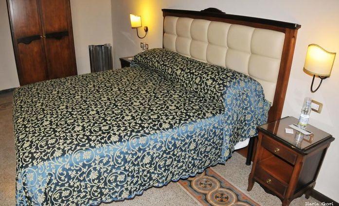 HHB Hotel Firenze Santa Maria Novella.Doppelzimmer.hotels/683c65ff5c37d0086652161e28a410a80ee25560/room/hhb-hotel-firenze-santa-maria-novella-doppelzimmer-52639.jpg