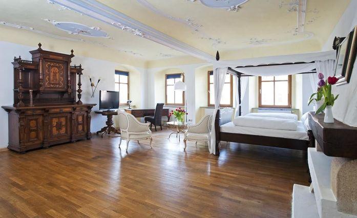 Hotel & Landgasthof Nürnberger Hof.Suite.hotels/7c32bc4537cb4c0dcf24282d63324814e08b9b71/room/hotel-and-landgasthof-nurnberger-hof-suite-53105.jpg