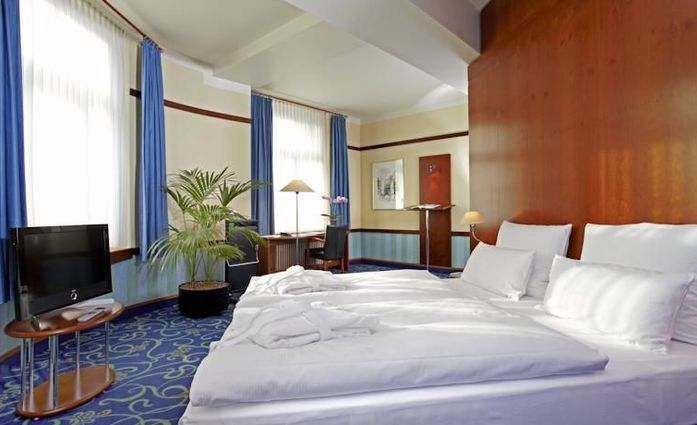 Seaside Park Hotel.Suite.hotels/89e77df8ae1aa4bb93556f93b546e4ca908c0963/room/seaside-park-hotel-suite-45093.jpg