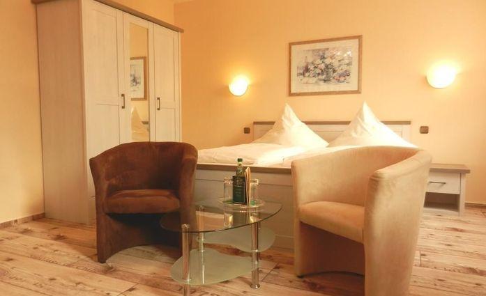 Hotel Alexandra.Doppelzimmer.hotels/a0e0b22c678deebfeb68ed252ceadb7234e2f009/room/hotel-alexandra-doppelzimmer-42785.jpg