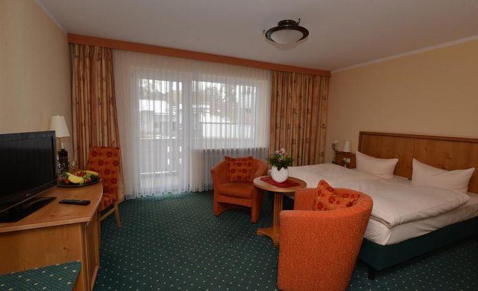 PTI Hotel Eichwald.Doppelzimmer.hotels/b5d0d997e44959659705264c8d34d8640084a035/room/pti-hotel-eichwald-doppelzimmer-63798.jpg
