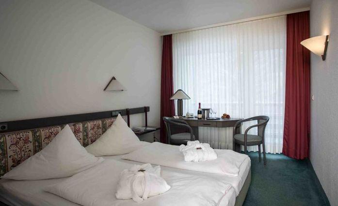 Hotel Schwarzbachtal.Doppelzimmer.hotels/b96643a6d45418800ecf887c3800f7f07ebd91dd/room/hotel-schwarzbachtal-doppelzimmer-77778.jpg