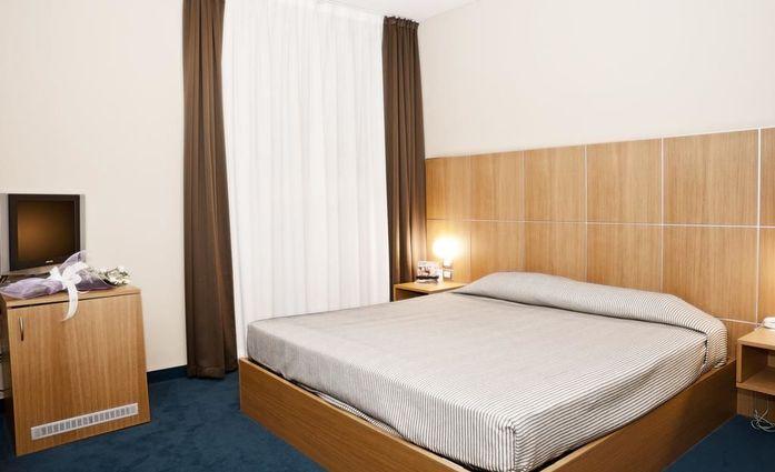Hotel delle Fiere.Doppelzimmer.hotels/c1a2100fc104ea9266092784da89c8c2c92aef9d/room/hotel-delle-fiere-doppelzimmer-88276.jpg