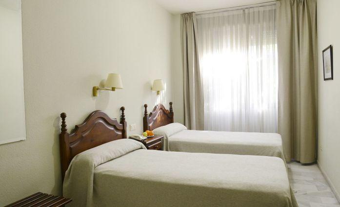 San Pablo Hotel Seville.Doppelzimmer.hotels/f8160ee0890455db8ad2bce056174f678e601034/room/san-pablo-hotel-seville-doppelzimmer-18010.jpg
