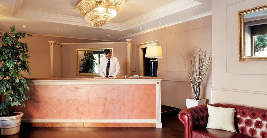hotel club house