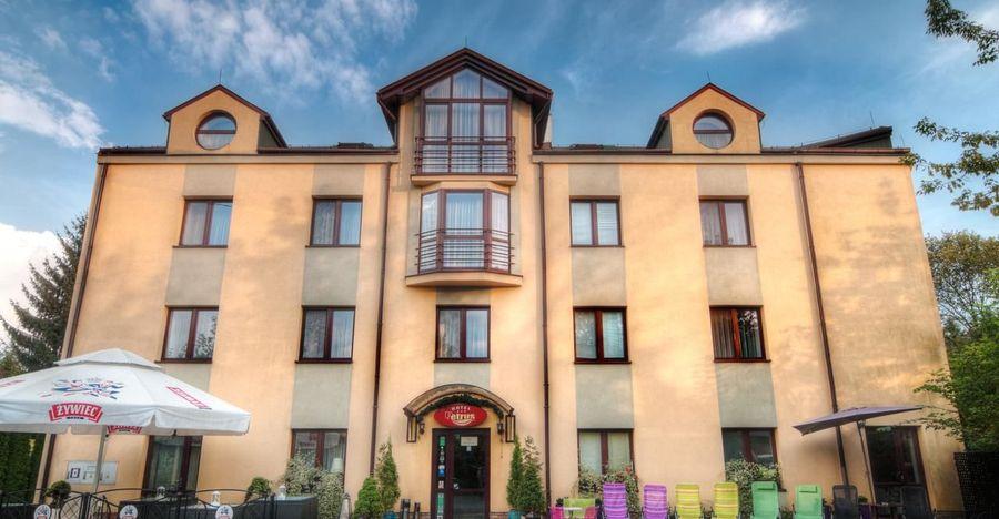 Hotel Petrus Krakau In Kraków Reserve Travel Deals On Hotelfriend