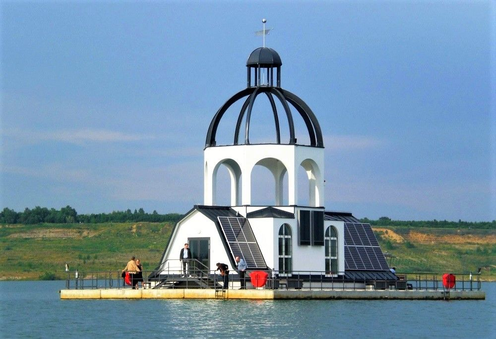 The Floating Church Vineta