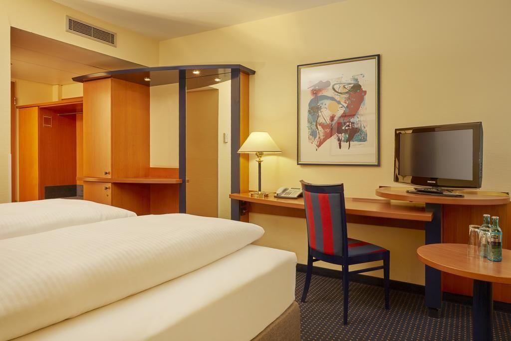 H4 Hotel Leipzig.Doppelzimmer.hotels/056776ffe4ce3132b4853fc7b9b6c7f241d67f53/room/h4-hotel-leipzig-doppelzimmer-78109.jpg
