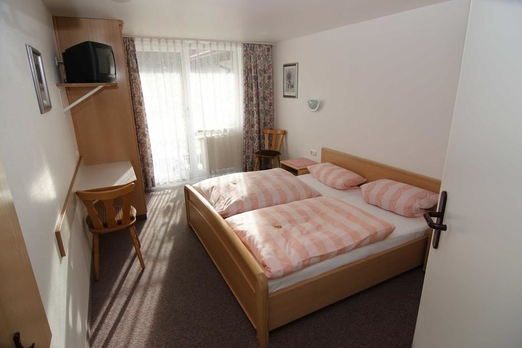 Landhotel Albrecht.Doppelzimmer.hotels/0a7b5a039c01540dfedb69e16dd313172b9d571b/room/landhotel-albrecht-doppelzimmer-64772.jpg