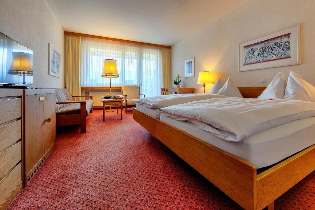 Golf- und Sporthotel Hof Maran.Doppelzimmer.hotels/4e95c665cc6a2c3163ffd53ff9707942ca44076d/room/golf-und-sporthotel-hof-maran-doppelzimmer-95201.jpg