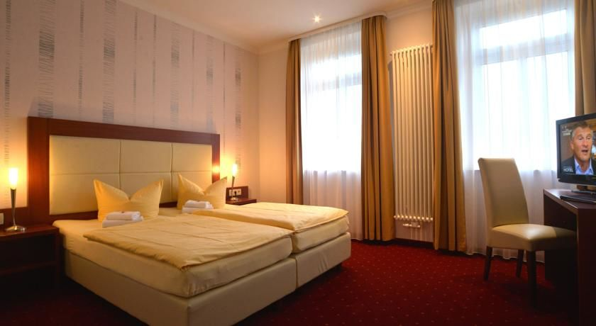 Hotel Via  City.Doppelzimmer.hotels/52e83bbd79fbeb63d143cd188ce7d345ae3e8682/room/hotel-via-city-doppelzimmer-11549.jpg