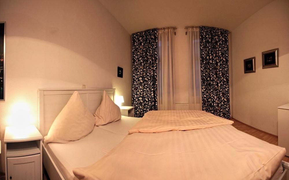 Balthasar Neumann Speiserei & Gästehaus.Doppelzimmer.hotels/72c4c81fdd22c1bfbe2cac79a5aa905c6f252bd8/room/balthasar-neumann-speiserei-and-gastehaus-doppelzimmer-61877.jpg