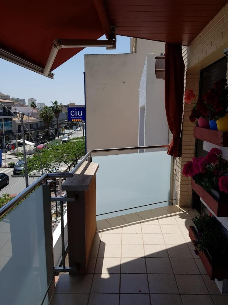 Apartment with 2 Bedrooms in Platja D'Aro, with Wonderful Mountain Vie