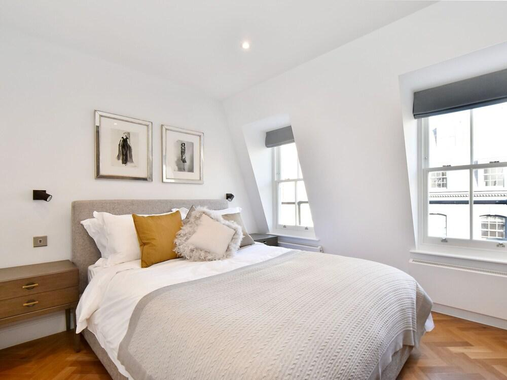 Chic Apartment in London Near Picadilly Circus And Dior