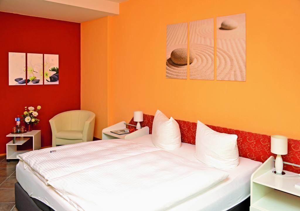 Hotel Kaiserhof.Doppelzimmer.hotels/c86d5f04f146ec676bd1aa7471e5e63c2cecff40/room/hotel-kaiserhof-doppelzimmer-77592.jpg