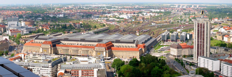 Blick von oben auf den Leipziger Hauptbahnhof