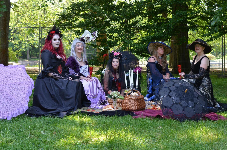 Victorian picnic on WGT 2017 in Leipzig (Clara Zetkin Park)
