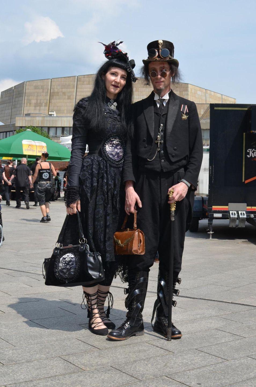 Wave-Gotik-Treffen outfit
