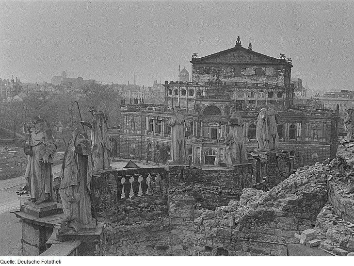 Dresden Semperoper in 1945