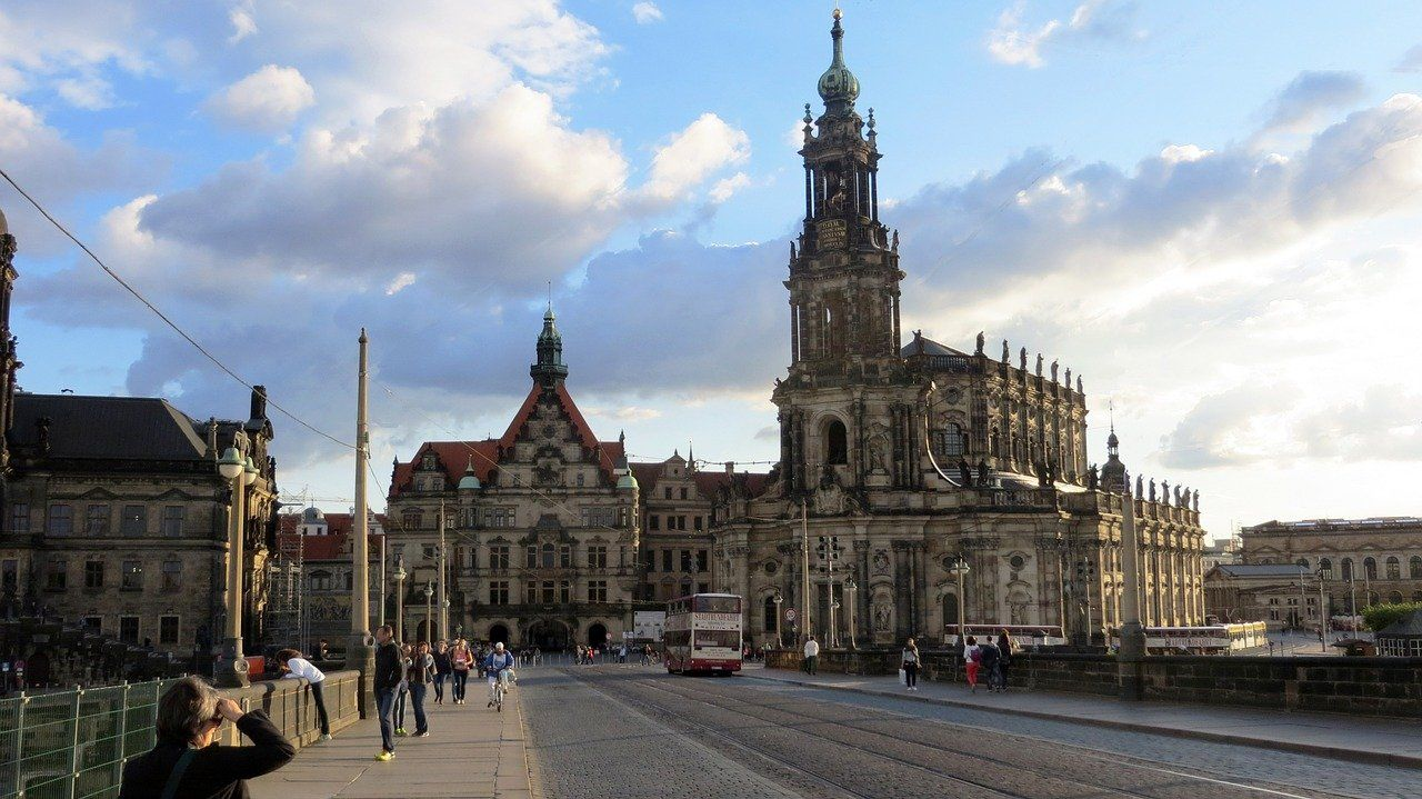 Hotels Near Zwinger Dresden Pavilions And Galleries Opening Hours Ticket Prices Hotelfriend