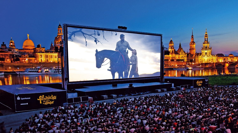 Kinoleinwand - Filmnächte am Elbufer