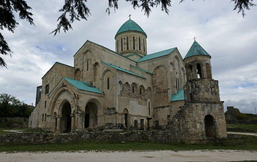 htvonufj i  ovvah zdsee  e j fnj i wdnf jvari monastery the cave of prometheus kutaisi