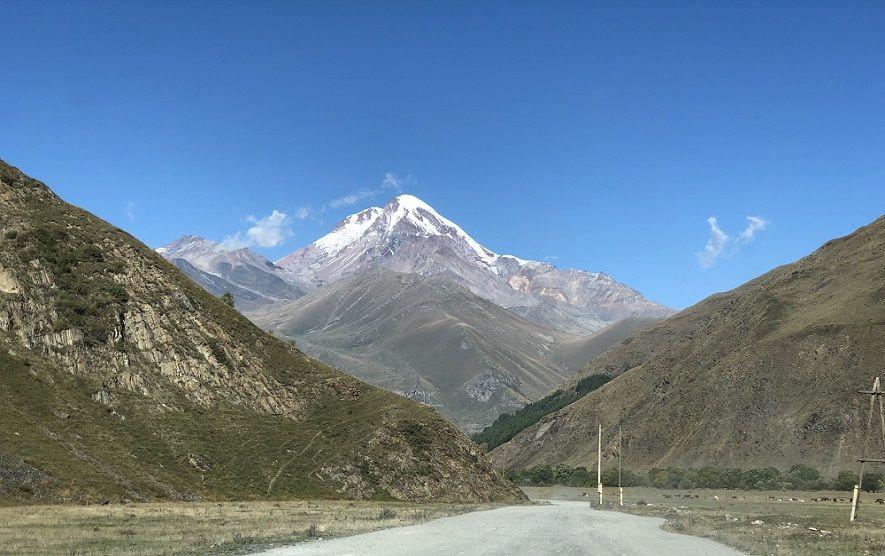 pjl  xr f skm   wrb  nm   beq ngp gv    hiking with horses to a glacier of ushba